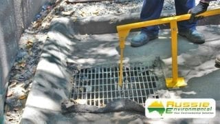 Grate Lifter For Stormwater Drains & Grates For Single Person Operation