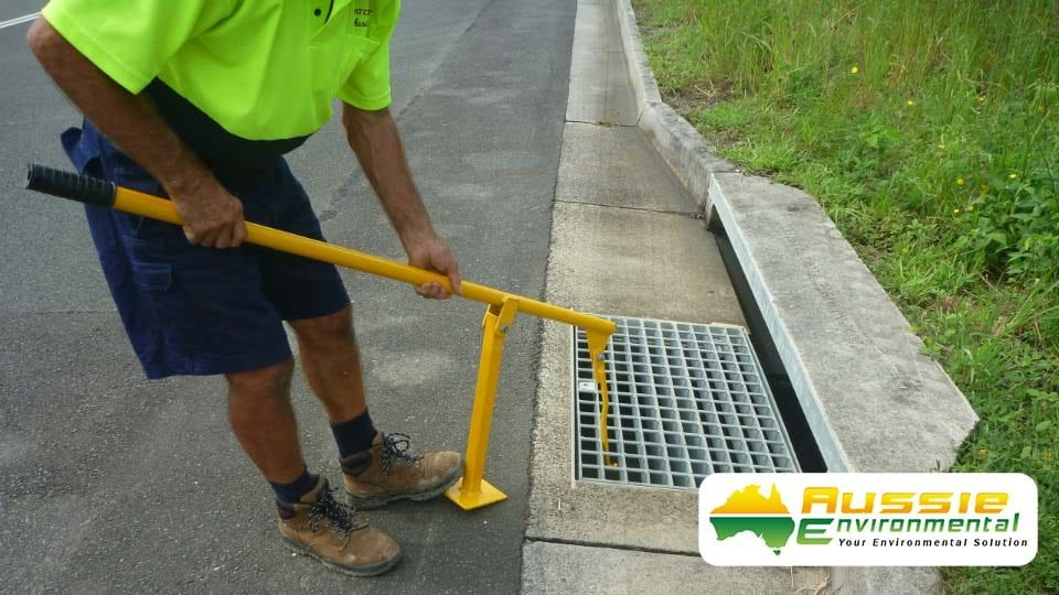 Grate Lifter For Stormwater Drain