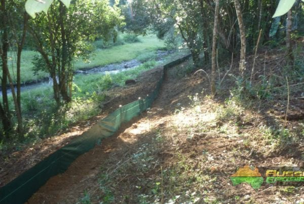 aussie-erosion-silt-fence-installation-trapping-run-off-9
