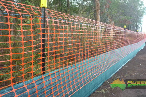 aussie-erosion-dust-fence-installation-silt-safety-combination-5