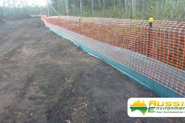 Silt Fence Safety Barrier Combination Installation With Star Pickets