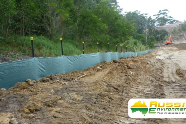 Heavy Duty Silt Fence Installation with Star Pickets